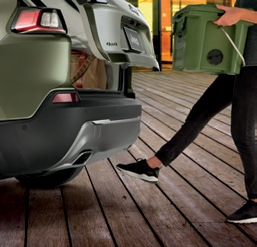 2020 Jeep Cherokee Hands free power liftgate